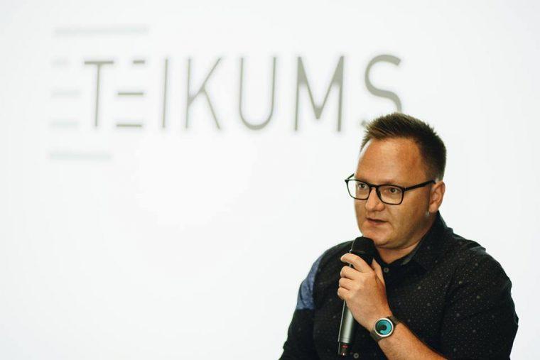 Jānis Palkavnieks, foto - kopstrādes telpa Teikums